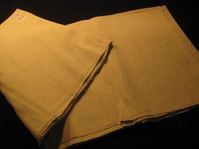 93-12 / Ein sehr grosses Leinen-Laken von Hand gewebt mit Mittelnaht + Monogramm