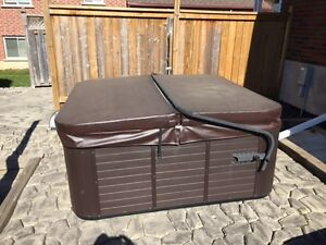 2013 220V hot tub with GFI for sale