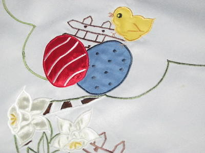 EASTER CHICK ON FENCE & DAFFODILS & FANCY CUTWORK! GERMAN TABLECLOTH