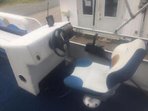 ***NEW ARRIVAL*** 2006 18' SUN PARTY 18' PONTOON WITH 4 STROKE Peterborough Peterborough Area image 5
