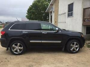 Fully Loaded 2012 Jeep Grand Cherokee OVERLAND Edition
