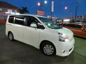 2010 Toyota Voxy Series II Lifter Chair 8 seater Lifter Chair White Automatic Wagon Concord Canada Bay Area Preview
