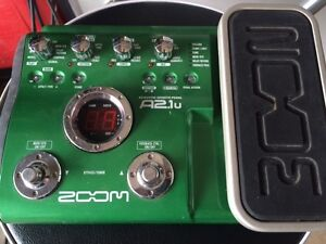 Zoom A2.1u multi effects acoustic guitar pedal - mint condition