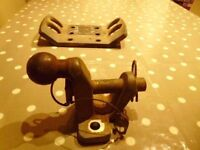 GENUINE LAND ROVER TOWBAR BALL AND PIN AND BRACKET