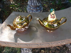 Two x Tea pot wade Handpainted made in England
