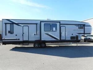 2019 Forest River RV Cherokee Wolf Pack 325pack13