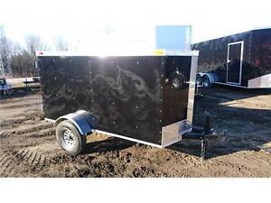Enclosed cargo trailer 4 x 8+1' V-Nose