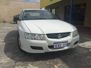 2004 HOLDEN EXECUTIVE VY WITH NICE ALLOY WHEELS Maddington Gosnells Area Preview