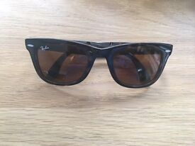Genuine Rayban Folding Wayfarer Sunglasses