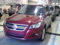 2009 Volkswagen Tiguan Tiguan Highline w Leather and Moonroof