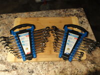 Mastercraft 18 Piece Combination Wrench Set SAE & Metric