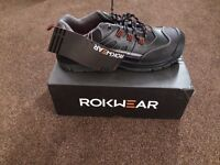 New Rokwear safety shoes size 9