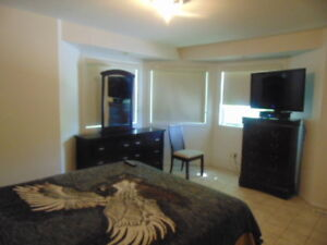 Available Move-in Ready Room for Short/Long Term Rent