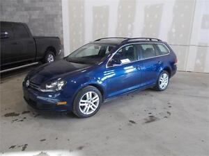 Volkswagen Golf Wagon 2011 **94000KM**