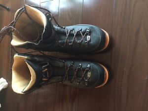 Raichle Mountaineering boots