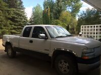 2002 Chevrolet Silverado 1500 Pickup Truck for parts