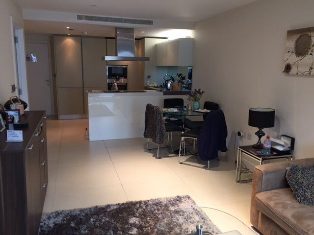 LUXURY ONE BEDROOM DESIGNER FURNISHED APARTMENT - OLD STREET / BEZIER APARTMENTS EC1 CITY SHOREDITCH