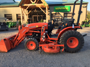 "2015 KUBOTA B2650 COMPACT TRACTOR - LOADER AND 72"" MOWER - 80H"