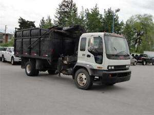 2007 GMC T7500 16 FOOT BOX HIAB CRANE DUMP TRUCK ONLY 123,000KM