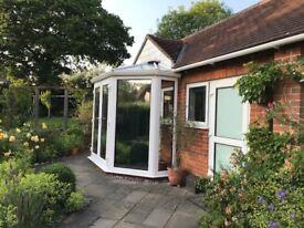 Self-contained garden studio/annex in town centre