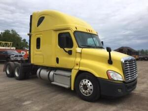 3 AVAILABLE! 2014 Freightliner Cascadia