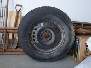 4 pneus avec jantes 16 po. NOKIAN à l'état de neuf Saguenay Saguenay-Lac-Saint-Jean image 1