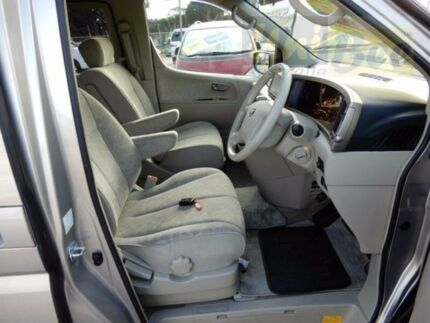 2003 Nissan Elgrand E51 Gold Automatic Wagon