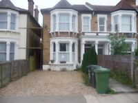 2 Double bedroom split level 2 bedroom flat off the Stansted Road Forest Hill