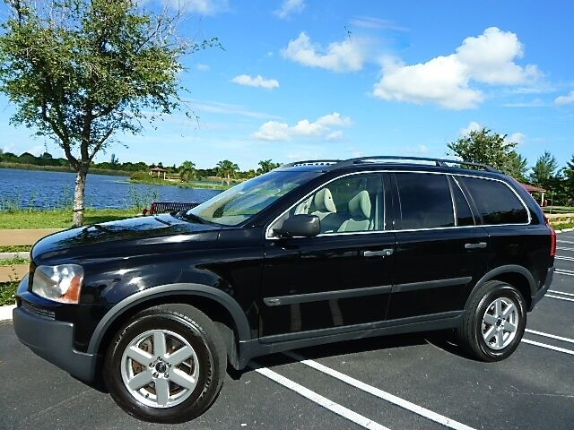 06 Volvo XC90! Warranty! 2 Owners No Accidents! Booster Seat, 3rd Row Seat!