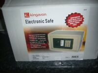 kingavon electric safe bnib with 2 keys collect from charlton kings.
