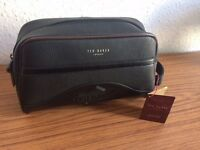 Ted Baker London Classic Wash Bag for Men