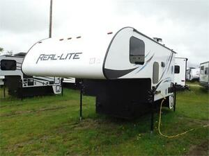 2017 Palomino Real Lite HS1806 Truck Camper with bathroom
