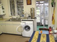 << ZONE 1 >> 2 Double Rooms in patio & garden flat off Brick Lane *** SHORT/ LONG, available Now ***