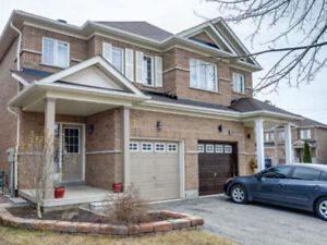 Semi-Detached Home In High Demand Community Of Credit Valley