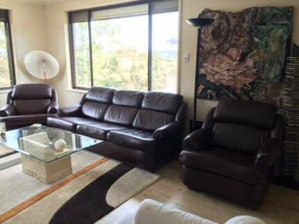 Leather Lounge 5 seater Springfield 2250 Gosford Area Preview