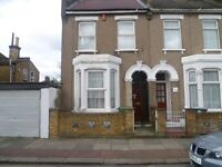 DOUBLE ROOM TO RENT INC WIFI AND BILLS e15