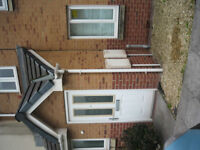 NEW BUILD 3 BEDROOM HOUSE SEA FRONT SHORT OR LONG LET S/ RATES FOR CONTRACTOR SA12 6QN JUST OFF M4