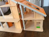 DOLLS HOUSE FURNITURE AND DOLLS AND TABLE