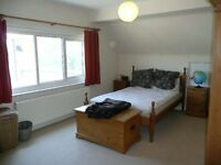 AMAZING 2 BED FLAT IN THE HEART OF KILBURN - PERFECT FOR PROFESSIONALS - DON'T MISS OUT!