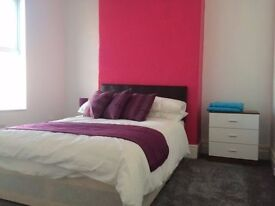 NORTHERN LINE! SPACIOUS DOUBLE ROOM FOR 140p/w!