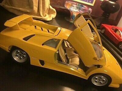 BBurago 1990 Canary Yellow Lamborghini Diablo Made in Italy Estate Collection
