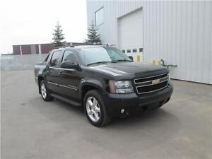 2 chevrolet avalanche on sale (Financing available trade welcome