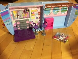 BARBIE CRUISE JET Combo kit with 4 Barbies FOR SALE Oakville / Halton Region Toronto (GTA) image 5