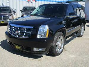 2010 CADILLAC ESCALADE PREMIUM AWD $29,950 HAS SAFETY & WARRANTY