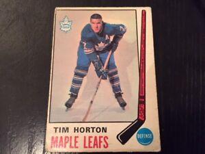 1969-70 O-Pee-Chee Tim Horton hockey card (#182)