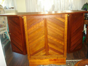Outdoor Indoor Mini-Bar Versatile Foldable with 2 stools