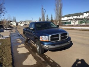 2006 Dodge Power Ram 2500 XLT Pickup Truck