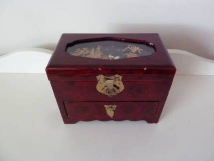 Wooden lacquer jewellery box. Lovely glossy lacquer finish