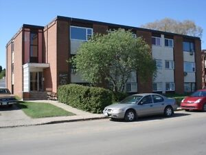 WEST HILL NEAR SAFEWAY AND SOUTH HILL MALL $750 AVAILABLE JAN 15
