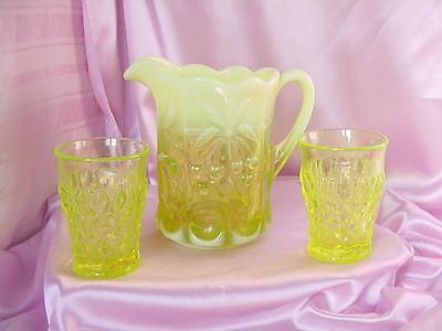 VINTAGE VASELINE OPALESCENT GLASS PITCHER & 2 TUMBLER GLASSES NR